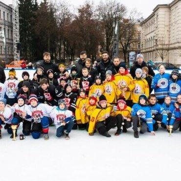 "Vilniuje įvyko ""Winter Classic"" – ledo ritulio turnyras po atviru dangumi!!!!"